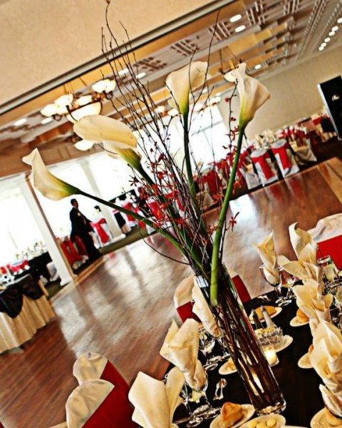 Real Wedding Pictures - Avital and Brett's Centerpieces