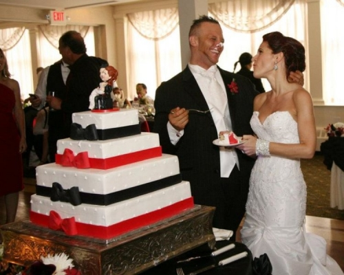 Real Wedding Pictures - Avital and Brett Cutting the Cake