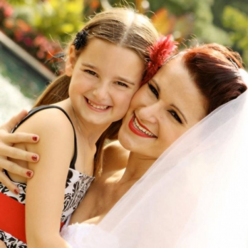 Real Wedding Pictures - Avital and Flower Girl