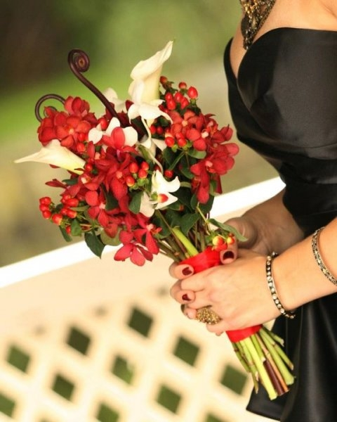 Real Wedding Pictures - Avital's Bridal Bouquet