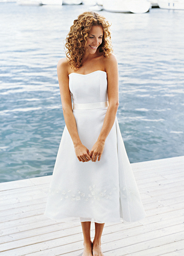 short wedding dress pictures - sweet appliques