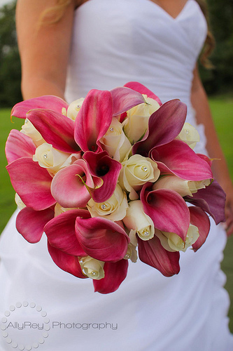 pink-white-wedding-flowers