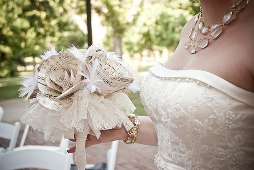 alternative wedding bouquet you ll die for these wedding bouquet alternatives 1272